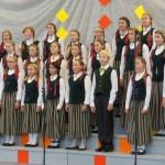 Ogres mūzikas skolas koris Jaunrades dziesmu konkursu Alojā apmeklē kopš 2005.gada.