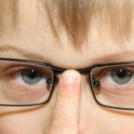 Ome man saka, lai ēdu burkānus, tad nevajadzēšot nēsāt brilles!