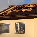 Lielvārdes novada domes ēkas jumta bojājumu novēršana izmaksāšot nepilnus 2000 latu.