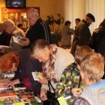 Gadskārtējos Grāmatu svētkus apmeklē ļoti atšķirīga gadu gājuma ļaudis.