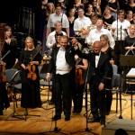 No koncerta Ogres Kultūras centra Lielajā zālē. Priekšplānā – Jānis Zirnis un Atvars Lakstīgala (no kreisās).