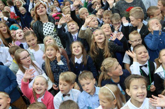 Lai mūsu bērni arī nākamajā Zinību dienā būtu tikpat smaidīgi, mums savas galvas jālauza jau tagad.